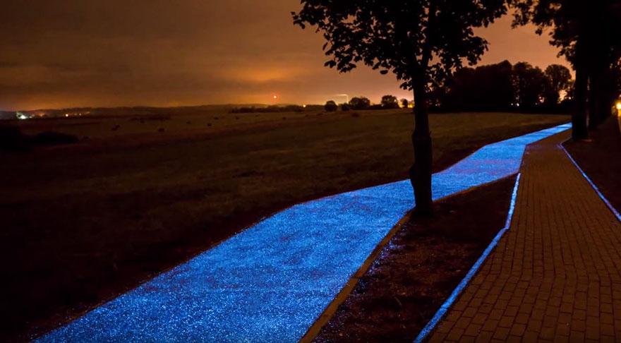 Carril bici luminoso en Polonia