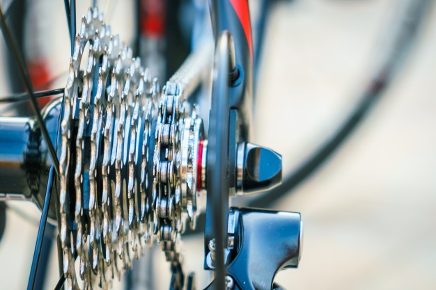 Cómo usar los cambios de la bicicleta