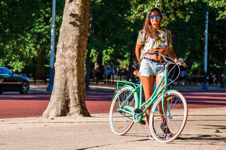 bicicleta paseo mujer
