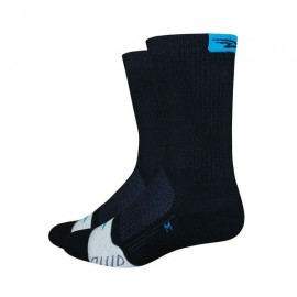 Calcetines Defeet Thermeator 6″ Black / Process Blue Tab on Ctr Back Top Cuff